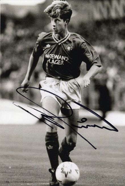 Pieter Huistra, Rangers & Holland, signed 12x8 inch photo.